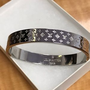 $660 New Louis Vuitton Nanogram Silver Bracelet